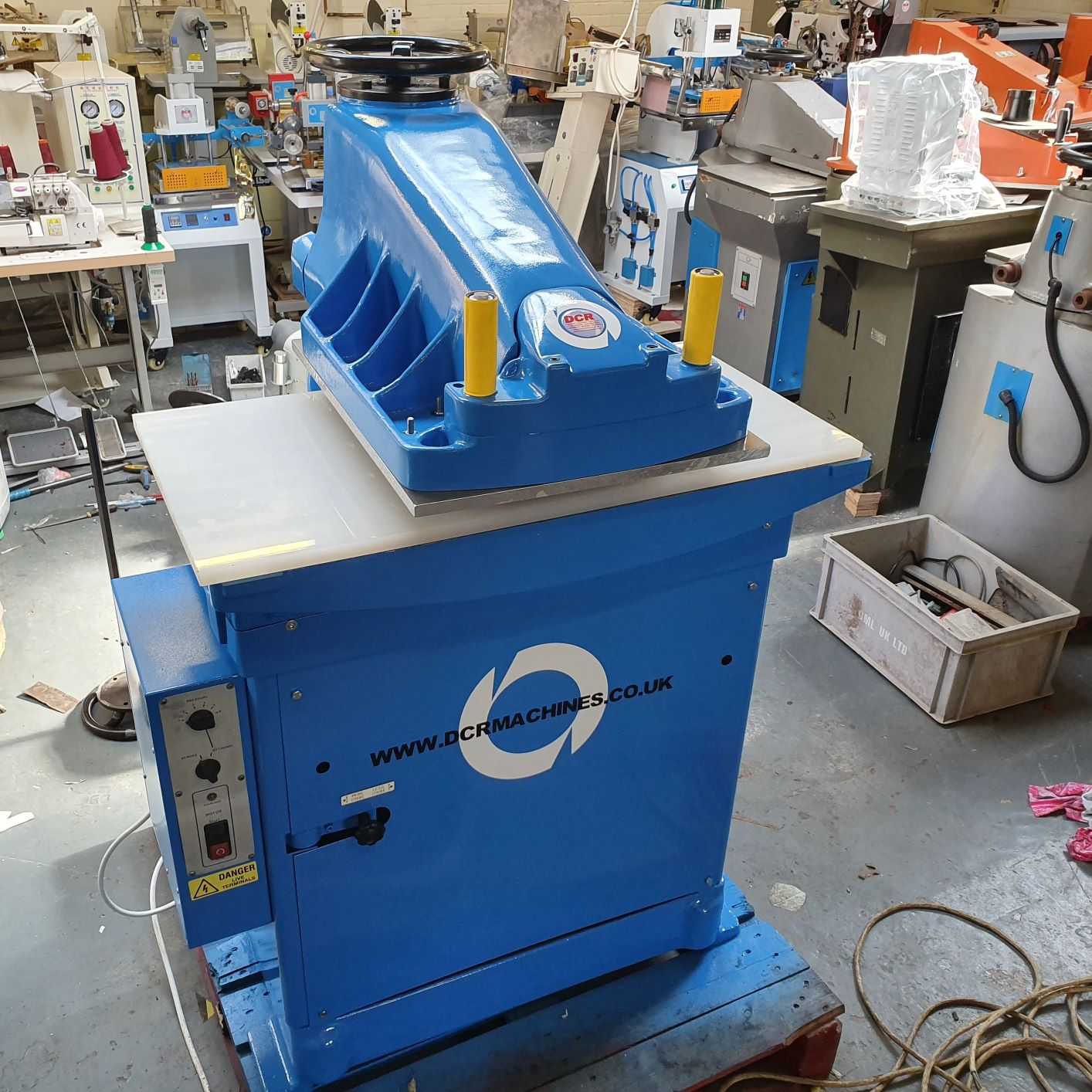 Photo of an SAMCO HTR MEDIUM HEAD CLICKER PRESS REFURBISHED BLUE Industrial Sewing Machines